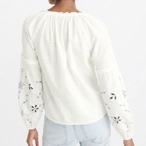 Abercrombie & Fitch Tops - Abercrombie Embroidered Peasant Top